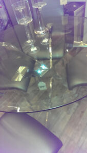Round glass and chrome dining table 44.5''