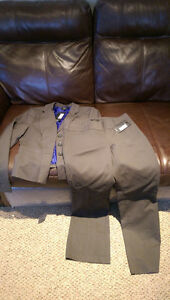 BNWT RW&Co Business suit Oakville / Halton Region Toronto (GTA) image 2