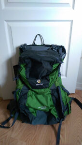 Deuter ACT Lite 65 + 10 Pack **Brand New never used** $190
