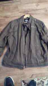 Brown Harley Davidson coat on perfect condition