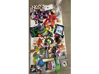 Pet Toys , Beds , Bones, Bowls, Harness, Dog Leads, Squeaky Toys JOB LOT MARKET TRADERS CAR BOOT