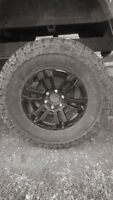 pneu 35 po. mickey thompson