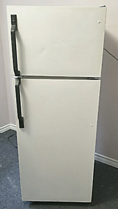"""Apartment size electric fridge , GE , 23""""wide , for sale"""