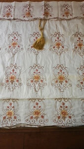 Selling Luxury Curtain / Roll screen very cheap!