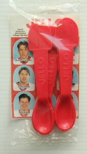 1997 JELL-O TEAM CANADA SPOON SET  SEALED WITH GRETZKY ETC.