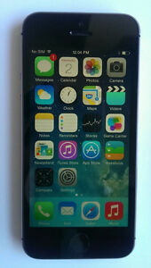 Iphone5 16gb black telus/koodo  With Charger