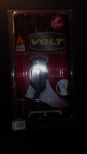 Volt Crrammer Carbon charged Ankle protection