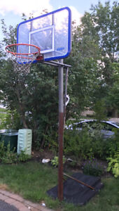 Basketball stand, net and backboard - by Lifetime