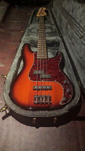 Squire Percision Bass with hardcase