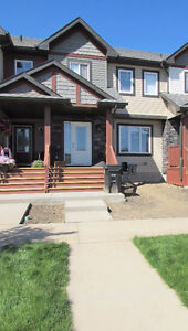 3 Bedroom Home w/ Double Garage in Family Friendly Spruce Grove!