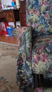 Recliner chair $10 DDO