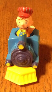 COLLECTIONNEUR VOICI CHARLIE BROWN TRAIN FIGURE 1950, 1966 Gatineau Ottawa / Gatineau Area image 5