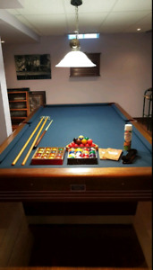 "Chapman Billiard Table (Solid Slate) 5×9"" - EUC (all accessories"