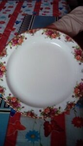 FOR SALE: ROYAL ALBERT COUNTRY ROSE BONE CHINA DISHES