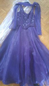 Belle robe de bal mauve