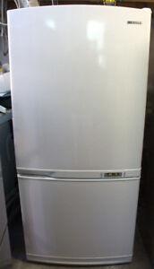 Samsung Réfrigérateur à congélateur au bas de 20 pi3