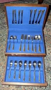 8 Place Settings - Flatware Cutlery -