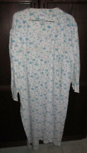 Ladies plus size cotton nightgown in size 1X