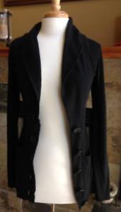 KENSIEGIRL FOR ARITZIA Sweater Vest long Sleeve Size Small