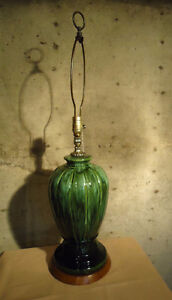 TALL ART POTTERY VINTAGE TABLE LAMP West Island Greater Montréal image 2