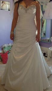 Beautiful Sincerity Bridal Dress for sale, size 14