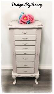 Gorgeous French Provincial Jewelry Armoire/Chest!
