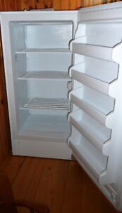 Approx. 16 cu ft UPRIGHT DEEP FREEZER 3 yrs old. (Must Phone)