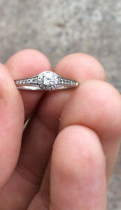 Canadian Diamond Engagment Ring