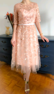 Beautiful elegant dress (size 4)