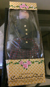 Collectible vtg porcelain doll in original box