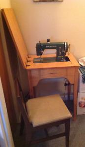 Sewing machine / Machine à coudre
