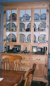 Solid Maple Buffet & Hutch Kitchener / Waterloo Kitchener Area image 1
