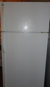 Kenmore White Fridge in Good Condition