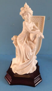 F.A.R.0. COLLECTION, STATUETTE, LA BELLE DAME