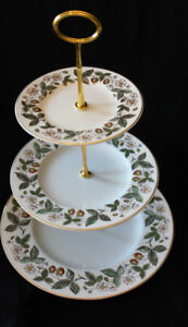 WEDGWOOD - STRAWBERRY HILL - 3 TIER CAKE STAND