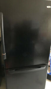 Used Black Fridge in Good Working Condition, Icemaker installed