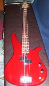 YAMAHA - Electric Bass Guitar