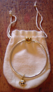 """Authentic 7.5"""" 18K Gold Plated Bangle & Queen Bee Bead"""