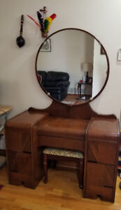 Antique Round Dressing Table with Tool