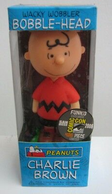 Funko 2006 Charlie Brown In Red Outfit San Diego Comic Con Bobble Head 480 - Comic Con Outfits