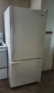 Maytag fridge 19 cu ft