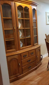Beautiful, solid wood hutch and display case. Great condition