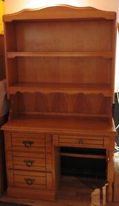 Meubles en bois massif commode, bureau, tête de lit