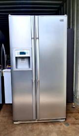 LG American Fridge Freezer in Excellent Working Condition.