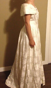wedding gown size 10-12