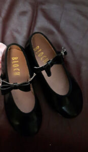 TAP SHOES - LITTLE GIRLS SIZE 9 - LIKE NEW -