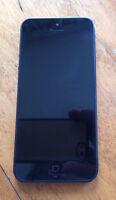 Iphone 5 - 16GB en parfait état + cable lightening