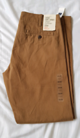 BRAND NEW GAP Khakis, with tags