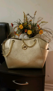 Michael cors bag $120