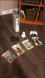 Xbox 360 Elite with GTA 5 and more (Check Description)